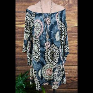 Dresses & Skirts - Grey & Pink Print Split Bell Sleeve Dress/Tunic